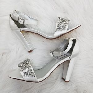 Beautiful brand new wedding shoes